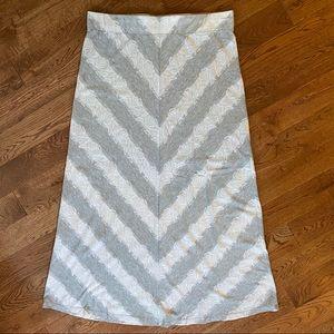 ☀️4/$35 white & gray maxi skirt.Lace pattern Large